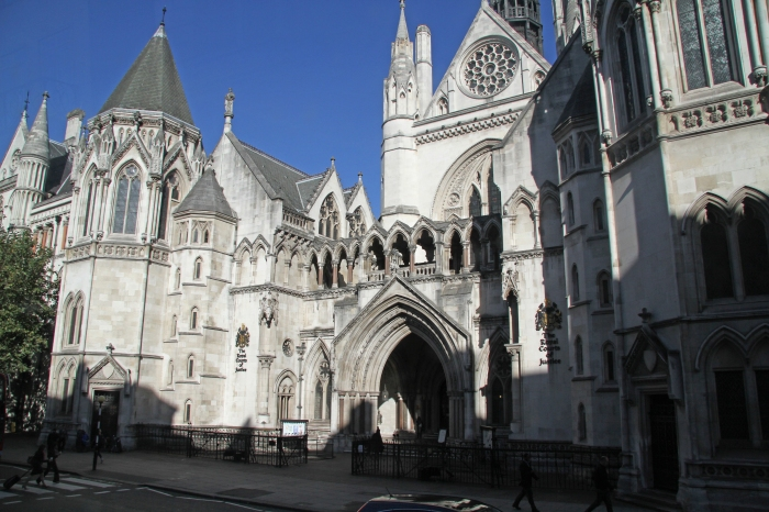 The_Royal_Courts_of_Justice_3_(8013456429)