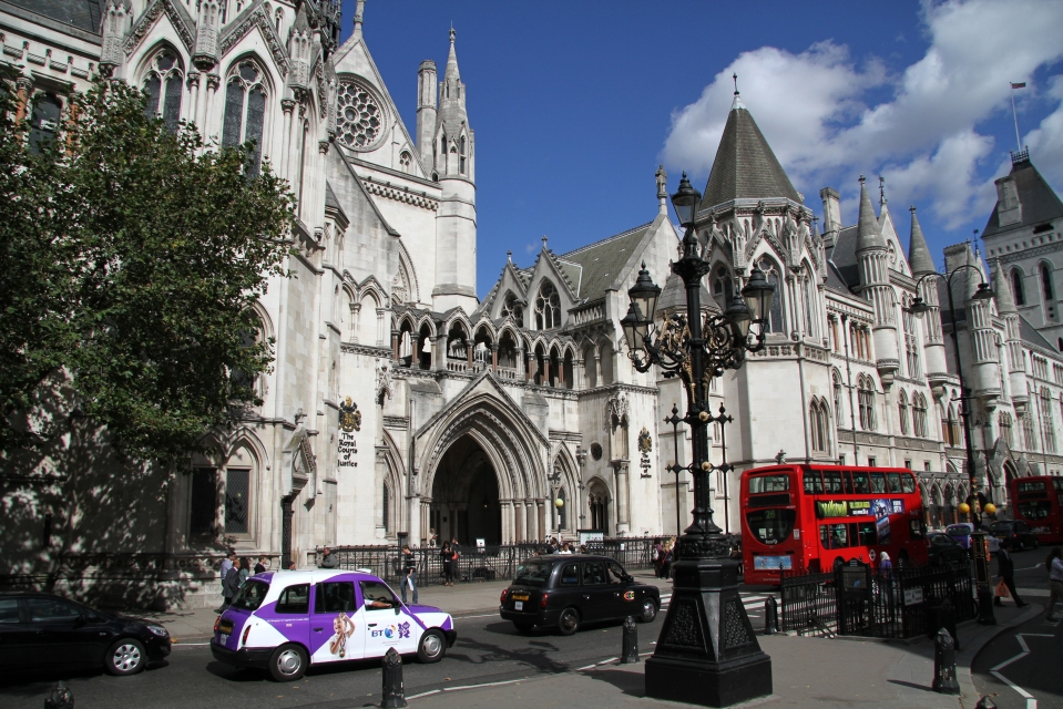 the_royal_courts_of_justice_4_8013465002